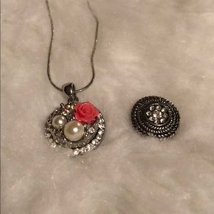 Ginger snaps necklace lot